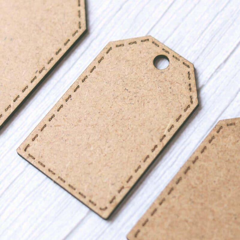 Set de etiquetas en madera DM con esquinas rectas de Scrapéalo