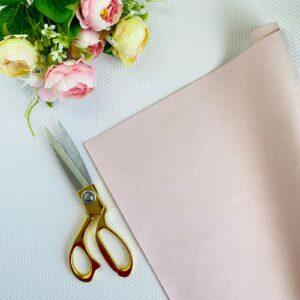 Ante básico de 32x50 cms. color rosa pétalo de Pandora Scrap